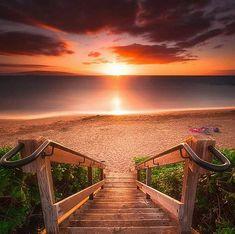 Stairway To Heaven Maui Beach Landskap Fotografi Stairway To Heaven, Beautiful Sunset, Beautiful World, Beautiful Places, Beautiful Pictures, Heaven Pictures, Sunset Pictures, Beautiful Gorgeous, Landscape Photography