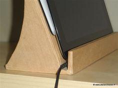 Tuto support en carton pour tablette et smartphone - Détail cable