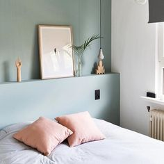 Marvelous Tricks: Chic Minimalist Bedroom Lamps minimalist home inspiration woods.Minimalist Bedroom Interior Sleep minimalist home inspiration house tours.Colorful Minimalist Home Stairs. Bedroom Green, Home Bedroom, Calm Bedroom, Budget Bedroom, Bedroom Black, Pink And Copper Bedroom, Bedroom With Green Walls, Bedroom With Sofa, Aqua Bedroom Decor