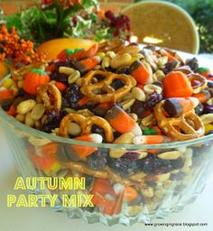 Autumn Party Mix : 1 bag of Autumn Mix 1 bag of Indian Corn 1 bag of Reese's Pieces 1 can of Party Peanuts 1 cup of Sunflower seeds 1 cup of Raisins 1 cup of Craisins When ready to eat, add: 1 cup of Mini Pretzels Fall Treats, Holiday Treats, Halloween Treats, Fall Snacks, Halloween Party, Thanksgiving Snacks, Halloween Punch, Spooky Treats, Halloween Desserts
