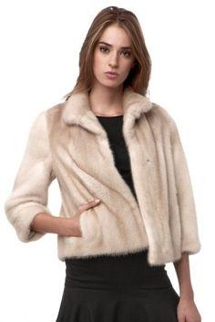 Chaqueta de visón Ramiro Guardiola Fashion Models, Fashion Beauty, Womens Fashion, Mink Jacket, Sewing Coat, Fabulous Furs, Mink Fur, Feminine Style, Marie