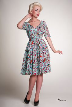 classic retro day wear dress  totally need this in my closet!