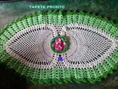 crochelinhasagulhas: Tapete com abacaxi de crochê