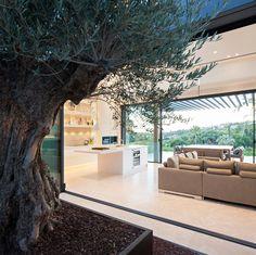 Cross ventilation in a Contemporary Villa in Marbella by Tobal Arquitectos www.tobal.net