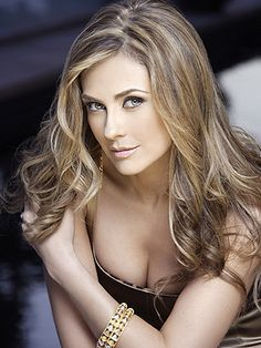 Blonde Mexican actress Aracely Arambula poses wearing a black dress Beautiful Eyes, Gorgeous Women, Beautiful People, Mexican Actress, Latin Girls, Beauty And Fashion, Beautiful Actresses, Pretty Face, Jennifer Lopez