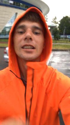 Куртка дождевик 😜👍 Непромокаемая одежда Zuevraincot  Подписывайтесь ✅❤️👍📲   . #плащ #куртка #яркий #мир #любовь #жить #улыбаться #дождь #смеятся #позитив #мембрана #дождевик #мода #стиль #спорт #бег  #одежда #тренды #fashion #красота #art #run #travel #hiking