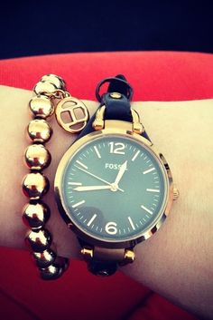 #lissii_89 shows off her #fossilstyle with the Georgia Three-Hand