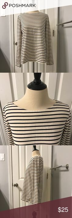 J Crew Tan & Black Boat Neck Striped Top Sz M - Pre-owned in excellent condition  - 100% Cotton - 25 in. length - 19 in. measured flat arm pit to arm pit  **Non-smoking, pet-free location** Items are shipped within 1 business day of payment Monday - Friday. Items paid for on the weekend or holiday will be shipped the next business day.  Thanks so much for looking!! J. Crew Tops Tees - Long Sleeve