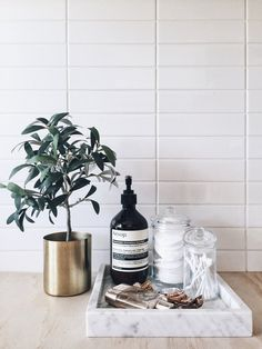 Look at this crucial image and also browse through today knowledge on Diy Bathroom Decor Ideas Bathroom Counter Decor, Diy Bathroom Decor, Bathroom Styling, Bathroom Organization, Bathroom Interior, Small Bathroom, Bathroom Trays, Remodled Bathrooms, Colorful Bathroom