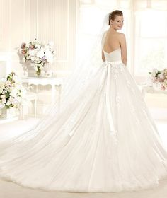 MITRA » Wedding Dresses » 2013 Glamour Collection » La Sposa (back)