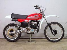 European Motorcycles, Ktm Motorcycles, Vintage Motorcycles, Dirt Bike Racing, Motorcycle Bike, Dirt Biking, Motos Ktm, 2 Stroke Dirt Bike, Motorcross Bike