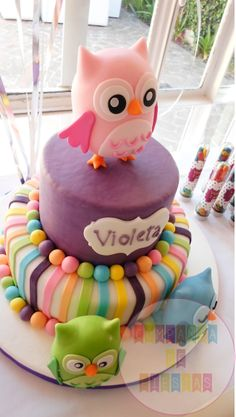 Owl Cake that I would be the master of the universe if I could pull off.