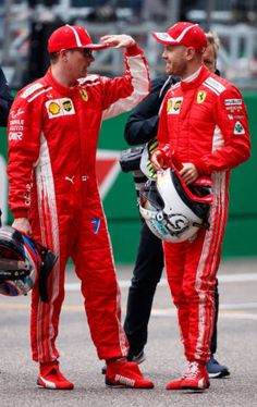 2018/4/14: Twitter: @FansOfKR : Kimi Räikkönen and Sebastian Vettel talking after the Qualifying  #Kimi7 #Seb5 #ChineseGP