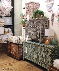 Anthropologie Bedroom, Anthropologie Furniture, Farmhouse Furniture, Living Furniture, Diy Furniture, Bedroom Furniture, Stencil Dresser, Stencil Diy, Diy Dresser Makeover