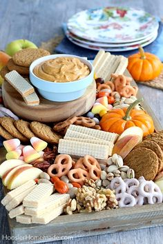 These Pumpkin Desserts will quickly become family favorites. There are easy Pumpkin dessert recipes, Pumpkin Cupcakes, Pumpkin Cookies and more! Pumpkin Dip, Pumpkin Spice Cookies, Pumpkin Dessert, Pumpkin Recipes, Fall Recipes, Cool Whip, Animal Crackers, Graham Crackers, Toffee