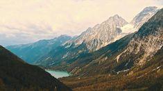 Unser feines Adults Only Genusshotel in Südtirol ist der perfekte Ort um Wald, Berge, Weite zu genießen. Und auf dem Teller findest du kulinarische Genüsse der Extraklasse! Spa Hotel, Teller, Minecraft, Mountains, Nature, Pictures, Travel, Perfect Place, Mountain Landscape