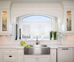Classicism With a Twist - contemporary - kitchen - toronto - Regina Sturrock Design Inc. Kitchen Garden Window, Kitchen Sink Window, Garden Windows, Kitchen Windows, Diy Design, Best Interior Design Blogs, Kitchen Desks, Little Kitchen, Traditional Kitchen