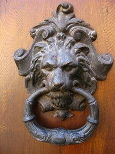 lion knocker - Tuscany