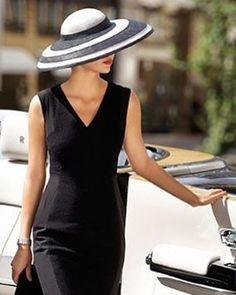 Tem mulheres que nos inspiram pela simplicidade! #elegancia #debortoli #alfaiatariafeminina