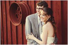 Red barn wedding | Image Getz Creative