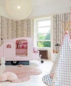 Růžový bavlněný koberec ve tvaru srdíčka je skvělou volbou do dětských pokojů. Navíc má na sobě malý měkký polštářek, který je vyplněn 100% polyesterem.   👉Ručně tkaný kusový koberec Puffy Love👈   #koberec #mujkoberec #obyvacipokoj #design #interier #detskypokoj #loznice Home Office Decor, Home Decor Wall Art, Home Decor Bedroom, Room Decor, Kids Bedroom, Corner Furniture, Cool Furniture, Furniture Design, Best Interior Design