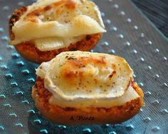 Tosta de queso de cabra y piña