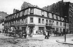 """Chmielna 124 róg Żelaznej fot. 1938r., źr. """"Atlas dawnej architektury ulic i placów Warszawy"""""""