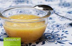 Maak zelf je babyvoeding! Kijk op Smikkels.nl voor het recept van dit Perzikhapje | Fruithapje | Babyvoeding