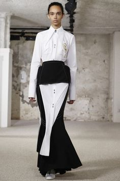 See the complete Ellery Spring 2018 Ready-to-Wear collection.