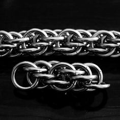 """#chainmaille #tutorial #diy Sandstone is ideally made at an AR of 4.1. Example here is 16swg with 1/4"""" id. This weave is aspect ratio sensitive"""