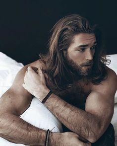 nice Männer lange Frisuren: 3 verschiedene Stile für Männer mit einer wilden Fluss