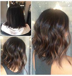 Pin by Lori Jurjovec on Hair in 2019 Medium Hair Styles, Short Hair Styles, Pinterest Hair, Brown Hair Colors, Brunette Hair, Great Hair, Hair Highlights, Balayage Hair, Dark Hair