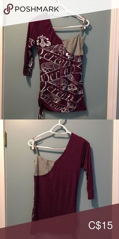 I just added this listing on Poshmark: DEREON by Beyonce off the shoulder top - size M. Burn Dressing, Burnt Orange Dress, Long Wear Lipstick, Sequin Shorts, Plus Fashion, Fashion Tips, Fashion Trends, Summer Shirts, Cropped Hoodie