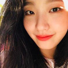Korean Actresses, Korean Actors, Kim Go Eun, Tamar Braxton, Baby George, Royal Babies, Park Shin Hye, Josh Duhamel, Alyson Hannigan