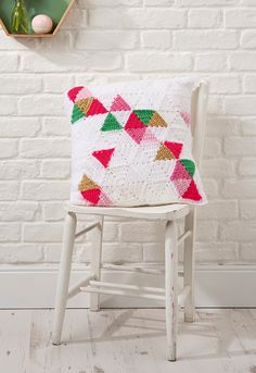 Geometric triangle cushion crochet pattern | Mollie Makes 78