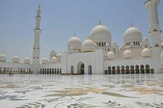 Beautiful Mosque in Abu Dhabi