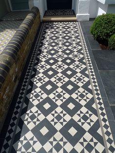 Victorian Black and White Mosaic in London - Painted floor tiles - - London Garden, Covent Garden, Balcony Design, Garden Design, Front Gardens, Kew Gardens, Porch Tile, Luxury Garden Furniture, Brick Patterns Patio