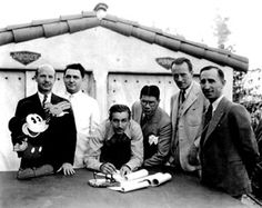 Walt Disney signs an exclusive contract with Kay Kamen