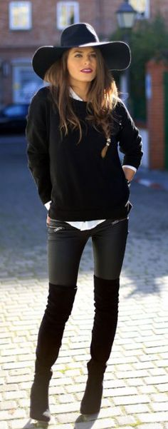 Just The Design: Jessie Chanes is wearing over-the-knee boots from Bershka