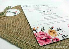 Convite de casamento vintage com envelope de juta.