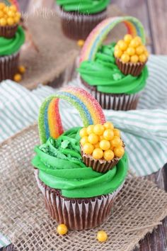 Image via We Heart It https://weheartit.com/entry/167152124 #chocolate #cupcakes #desserts #food #sweets #saintpatrick'sday