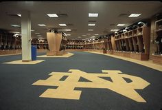 Google Image Result for http://leanblitz.net/wp-content/uploads/2012/01/ND-Locker-Room.jpg