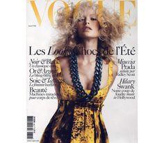 Vogue Paris avril 2005: http://www.vogue.fr/photo/les-couvertures-de/diaporama/mario-sorrenti-en-7-couvertures-de-vogue-paris/9271/image/563508#!vogue-paris-avril-2005