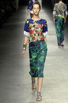 Dries Van Noten Spring 2008 Ready-to-Wear Collection Slideshow on Style.com