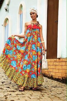 Telci Viteck Dreyer added a new photo — with Carolina Vaz Moreira and 2 others. Colorful Fashion, Boho Fashion, Womens Fashion, Gypsy Style, Bohemian Style, Boho Chic, Vestido Maxi Floral, Mode Boho, Maxi Robes