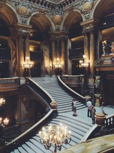 If Throne of Glass series is ever filmed into a television series, the assassins' keep HAS to be set here in Palais Garnier - Paris. It's perfect! <3 <3 <3