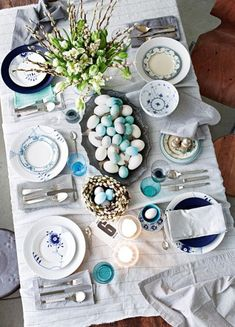 Easter Table Setting//
