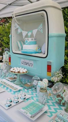 Check out this awesome retro camper van themed birthday party! See more party ideas and share yours at CatchMyParty.com #catchmyparty #partyideas #boy1stbirthdayparty #campervan #desserttable Retro Birthday Parties, 18th Birthday Party Themes, Retro Party, Slumber Parties, Birthday Party Decorations, 17th Birthday, Sleepover, Retro Campers, Camper Van