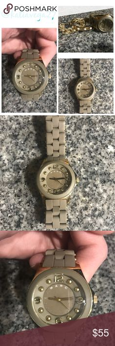 Marc Jacobs Grey Watch Good condition. The battery needs to be replaced. The band measures 6 inches. Marc Jacobs Accessories Watches