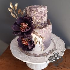 Purple and gold wedding cake with bas-relief, textured fondant, open purple peonies and gold foliage Purple And Gold Wedding, Purple Peonies, How To Make Cake, Cake Designs, Fondant, Wedding Cakes, Desserts, Cake Templates, Wedding Gown Cakes
